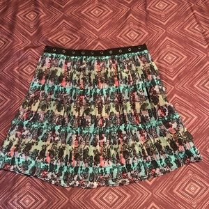 Juniors Pleated Patterned Skirt, NWOT, Size 3